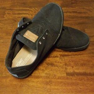 Toms no lace shoes